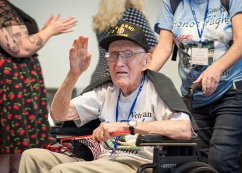 2016-0528-Honor Flight-017